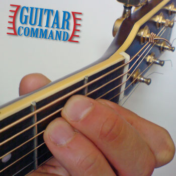 how to play guitar chords e major